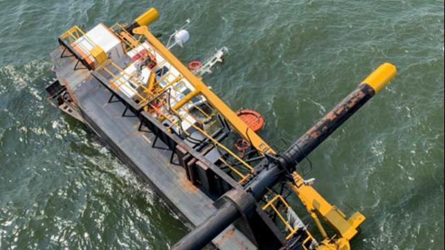 Barco elevador volcado debido a pruebas de precarga inadecuadas