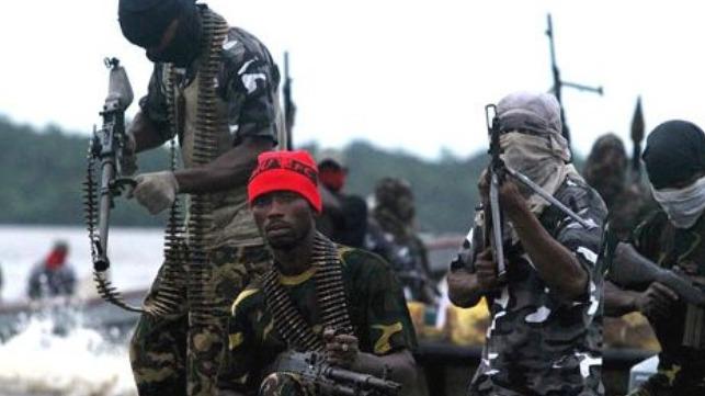 Los piratas secuestran a ocho tripulantes de un cofre en las afueras de Benin