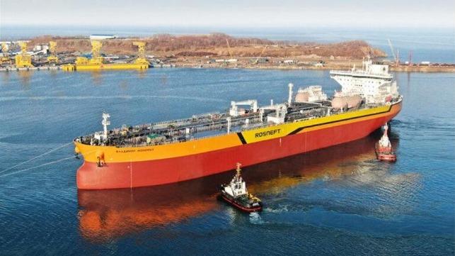 Primer petrolero ruso Aframax lanzado en el astillero Zvezda