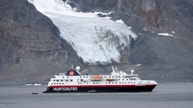 Crucero de expedición al Ártico con programas de televisión lentos de Noruega
