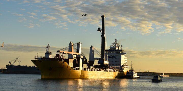 El buque más radiactivo de Rusia está siendo limpiado de combustible gastado
